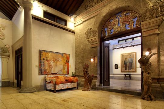 アルマ美術館