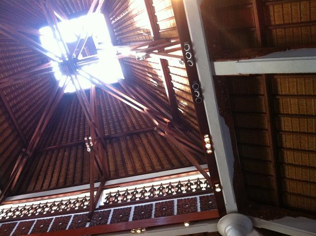 ロビー 天井