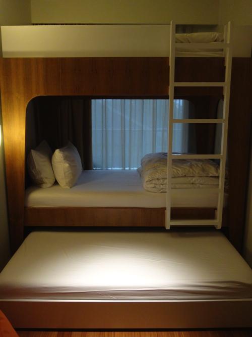 ファミリールーム キッズベッドルーム 3段ベッド1