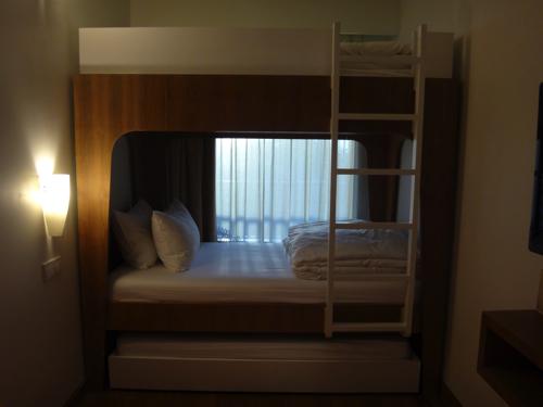 ファミリールーム キッズベッドルーム 3段ベッド2