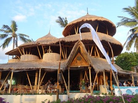 バリマンディラビーチリゾート&スパ アズールビーチクラブの概観