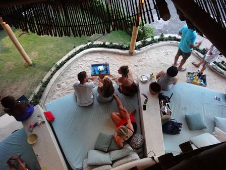 バリマンディラビーチリゾート&スパ アズールビーチクラブの席