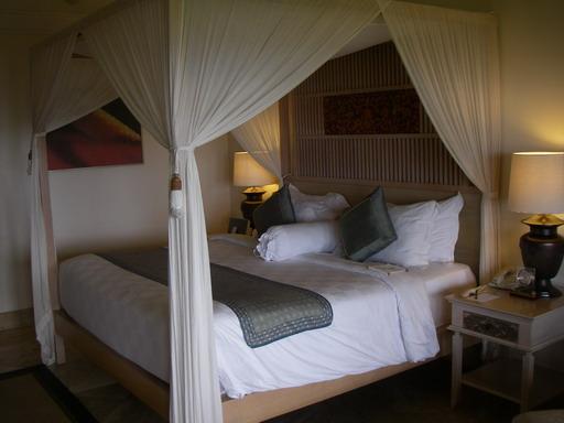 クラブルームのベッド1